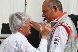 Берни Экклстоун и руководитель команды McLaren Рон Деннис
