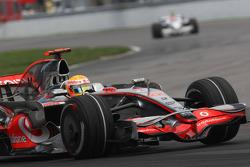 Lewis Hamilton, McLaren Mercedes, MP4-23 and Robert Kubica, BMW Sauber F1 Team, F1.08
