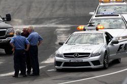 Charlie Whiting, FIA Safty delegate, Race director and offical starter, Herbie Blash, FIA Observer,