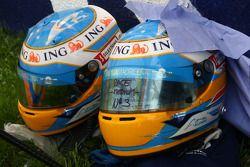 Fernando Alonso, Renault F1 Team, helmets