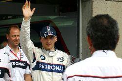 La celebración de la victoria de BMW Sauber F1: el ganador Robert Kubica