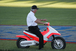 Four time Indianapolis 500 Winner Rick Mears comes out to witness the jump by Robbie Knievel