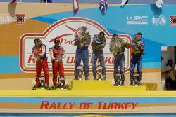 Podyum: 1. Mikko Hirvonen, Jarmo Lehtinen, 2. Jari-Matti Latvala, Miikka Anttila, 3. Sébastien Loeb,