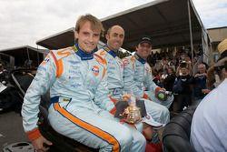 Antonio Garcia, David Brabham y Darren Turner