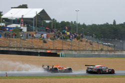 #59 Team Modena Aston Martin DBR9: Jos Menten, Christian Fittipaldi, Terry Borcheller, #32 Barazi Ep