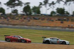 #009 Aston Martin Racing Aston Martin DBR9: David Brabham, Darren Turner, Antonio Garcia, #82 Risi C