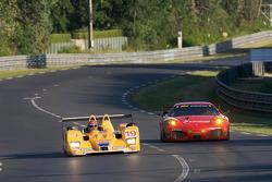 #19 Chamberlain-Synergy Motorsport Lola B06-10 AER: Bob Berridge, Gareth Evans, Amanda Stretton, #82 Risi Competizione Ferrari F430 GT: Mika Salo, Jaime Melo, Gianmaria Bruni