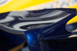 Фрагмент антикрыла гоночного автомобиля команды Renault F1 Team