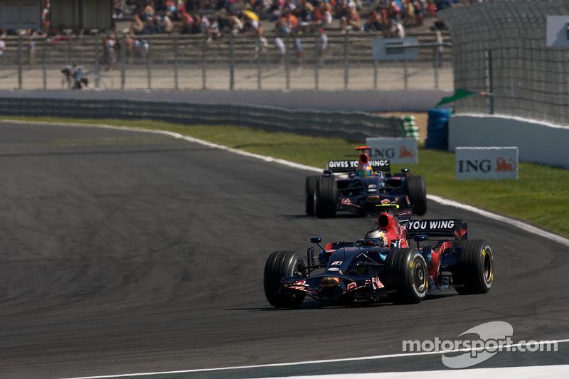 Кстати, про Toro Rosso. Гонщиком бывшей Minardi в том году был юный немец Себастьян Феттель