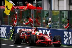 Felipe Massa bandera a cuadros