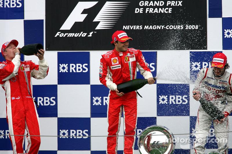 У Кими поводов для радости особо не было: он мог уехать из Франции в одном очке от лидера чемпионата, а уехал в пяти