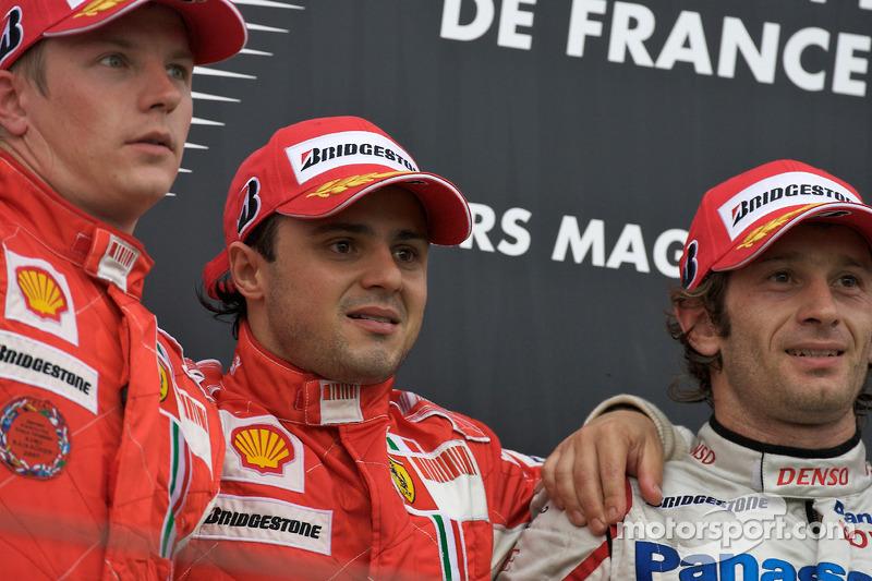 Podyum: Yarış galibi Felipe Massa ve Kimi Raikkonen ve Jarno Trulli