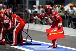 Ferrari espera un pitstop de Felipe Massa, Scuderia Ferrari