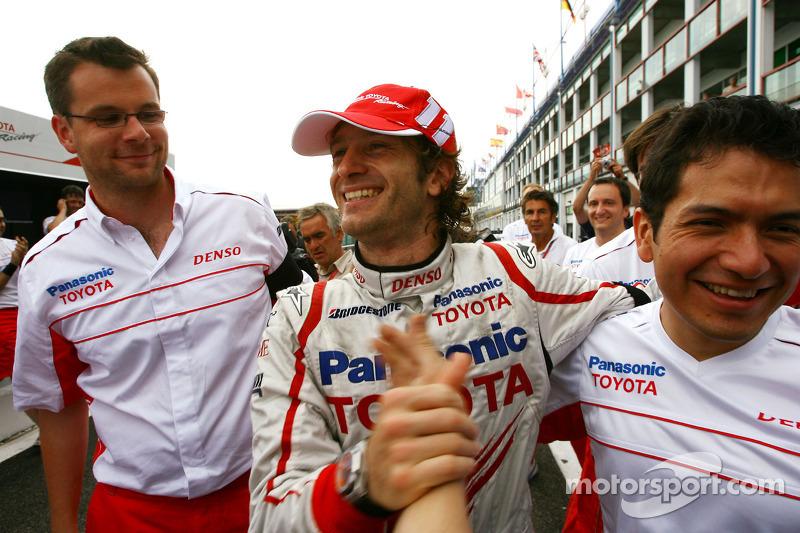 Не менее рад был и Ярно Трулли. Он финишировал третьим, и этот подиум будет для Toyota единственным в том сезоне