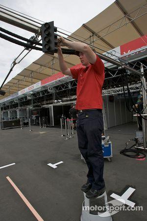 Membre de l'équipe d'Audi Sport au travail