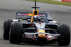David Coulthard, Red Bull Racing, stops on the circuit