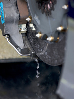 Water leak on the brake system of Martin Tomczyk's Audi A4 DTM