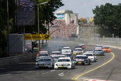 Start: Jamie Green, Team HWA AMG Mercedes, AMG Mercedes C-Klasse, Bruno Spengler, Team HWA AMG Merce
