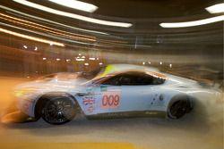 #009 Aston Martin Racing Aston Martin DBR9: David Brabham, Darren Turner, Antonio Garcia