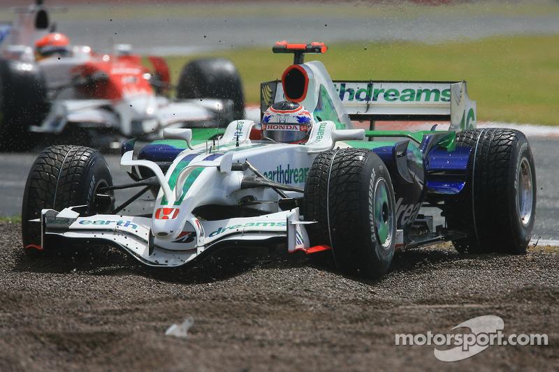 Jenson Button, Honda Racing F1 Team, RA108 en la grava