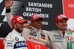 Podio: ganador de la carrera Lewis Hamilton, Nick Heidfeld el segundo lugar y tercer lugar Rubens Ba