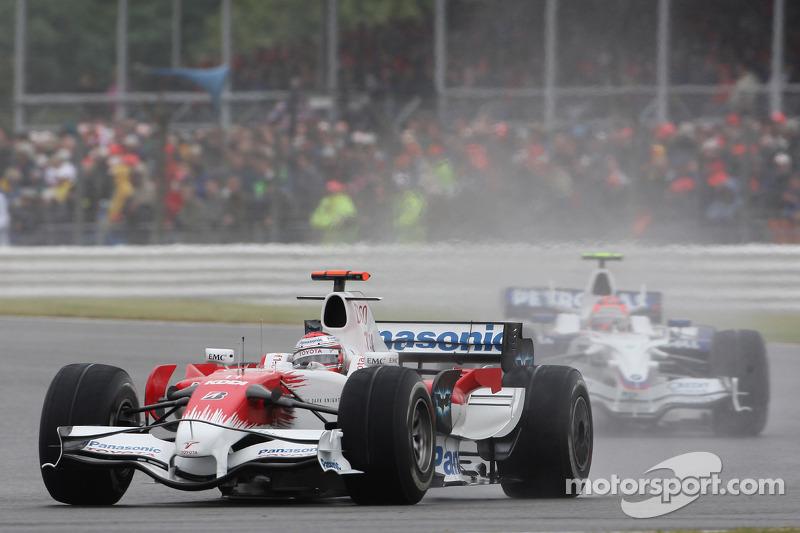 Jarno Trulli, Toyota Racing, TF108 y Robert Kubica, BMW Sauber F1 Team, F1.08