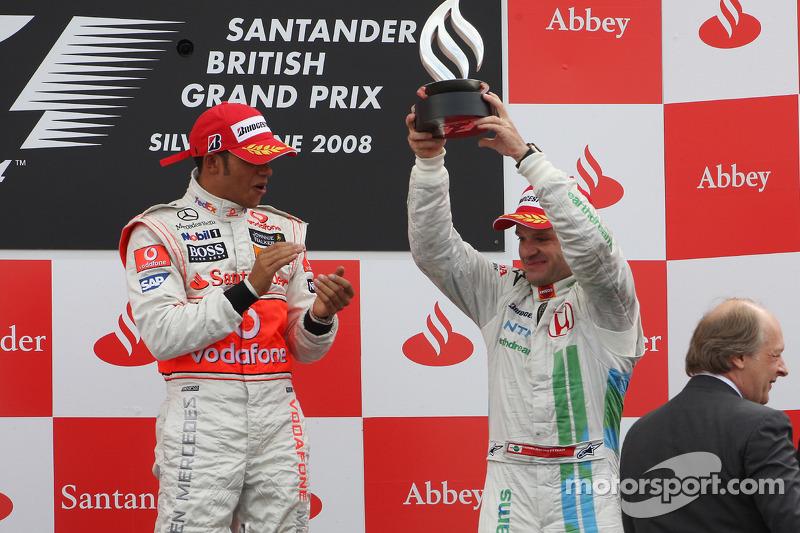 Podio: ganador de la carrera Lewis Hamilton con el tercer lugar Rubens Barrichello