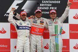 Podium : le vainqueur Lewis Hamilton, le deuxième, Nick Heidfeld, le troisième, Rubens Barrichello