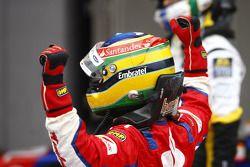 Bruno Senna celebrates his victory