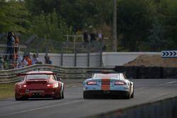 #80 Flying Lizard Motorsports Porsche 911 GT3 RSR: Jorg Bergmeister, Johannes van Overbeek, Seth Nei
