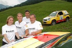 #13 Suzuki / Maxi Suzuki Grand Vitara 3D DDiS: Melina Frey et Alexandra Hahn, #34 Suzuki / SPOX.COM Suzuki Grand Vitara 3D DDiS: Andreas Kramer et Kurt Ettenberger