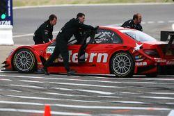 Mercedes mechanics push the car of Gary Paffett, Persson Motorsport AMG Mercedes, AMG-Mercedes C-Klasse, back into the pitbox