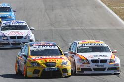 Tiago Monteiro, SEAT Sport, SEAT Leon TDI and Felix Porteiro, BMW Team Italy-Spain, BMW 320si