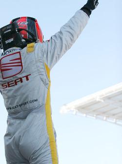 Tiago Monteiro celebating his victory