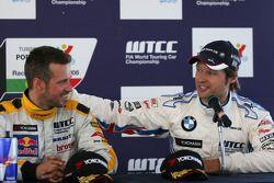 Tiago Monteiro, SEAT Sport, SEAT Leon TDI ed Andy Priaulx, BMW Team UK, BMW 320si WTCC