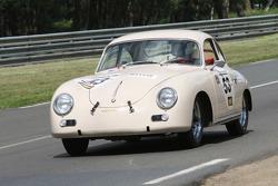 #53 Porsche 356 A 1956: Vincent Liesnard, Michel Durand