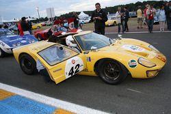 #42 Ford GT40 1968: Jean-Pierre Lecou, Michel Barge