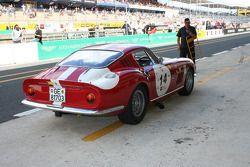 #14 Ferrari 275 GTB/C 1966: Ross Warburton, Rob Moores