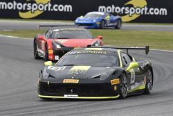 #144 Vladimir Hladik, Scuderia Praha con logo de Motorsport.com