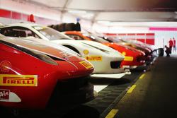 El Ferrai 458 Challenge EVO es armado en los boxes