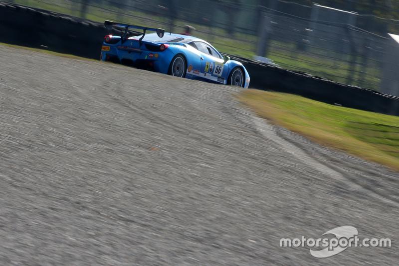 #66 StileF Scuadra Corse Ferrari 458: Joe Macari