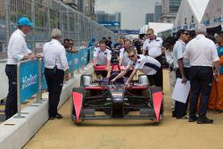 DS Virgin Racing Formula E Team in der Boxengasse