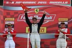 Carrera 1 Pirelli NA, el podio: primer lugar #238 The Collection Ferrari 458: Gregory Romanelli, seg