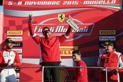 Gara 1 Pirelli. Primo posto #55 Scuderia Autoropa Ferrari 458: