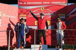 Podium APAC Pirelli : le vainqueur #471 Ferrari Greater China Robert Acer