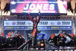 Race winner Erik Jones, Kyle Busch Motorsports