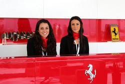 Красивые девушки в магазине Ferrari Store