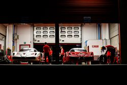 Ferrari FXX Programme, deux Ferrari FXX dans les garages