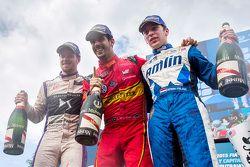 Podium : le vainqueur Lucas di Grassi, ABT Schaeffler Audi Sport, le deuxième Sam Bird, DS Virgin Racing Formula E Team, et le troisième Robin Frijns, Amlin Andretti