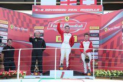 Подиум гонки 2 Pirelli AM EU: первое место - #92 Stratstone Ferrari Ferrari 458: Сэм Смит, второе ме